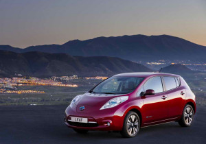2014-Nissan-Leaf-Front-View