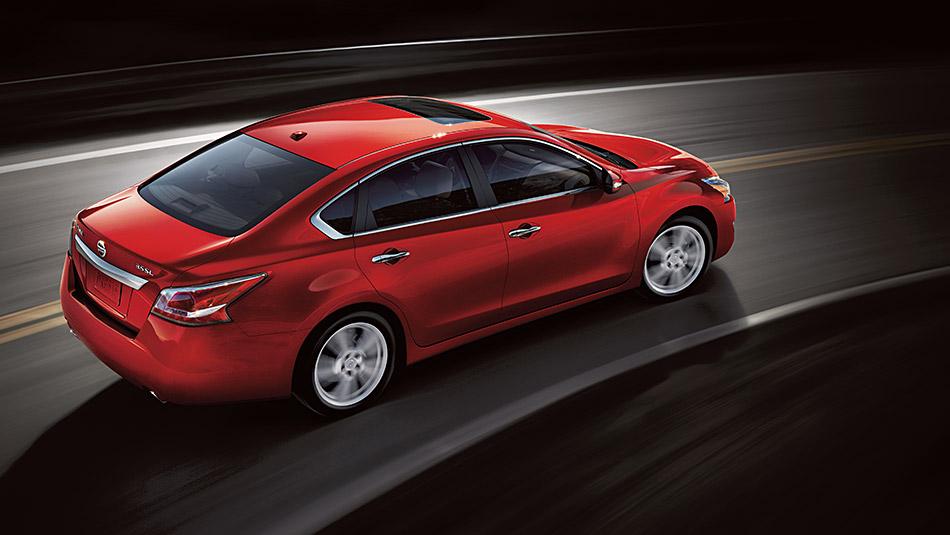 2015 Nissan Altima 3.5 SL Cayenne Red rear quarter Cary