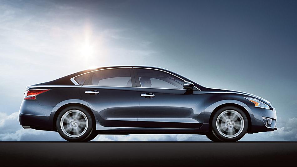 2015 Nissan Altima 3.5 SL Storm Blue profile Cary