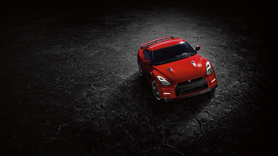 2016 Nissan GT-R red sports car